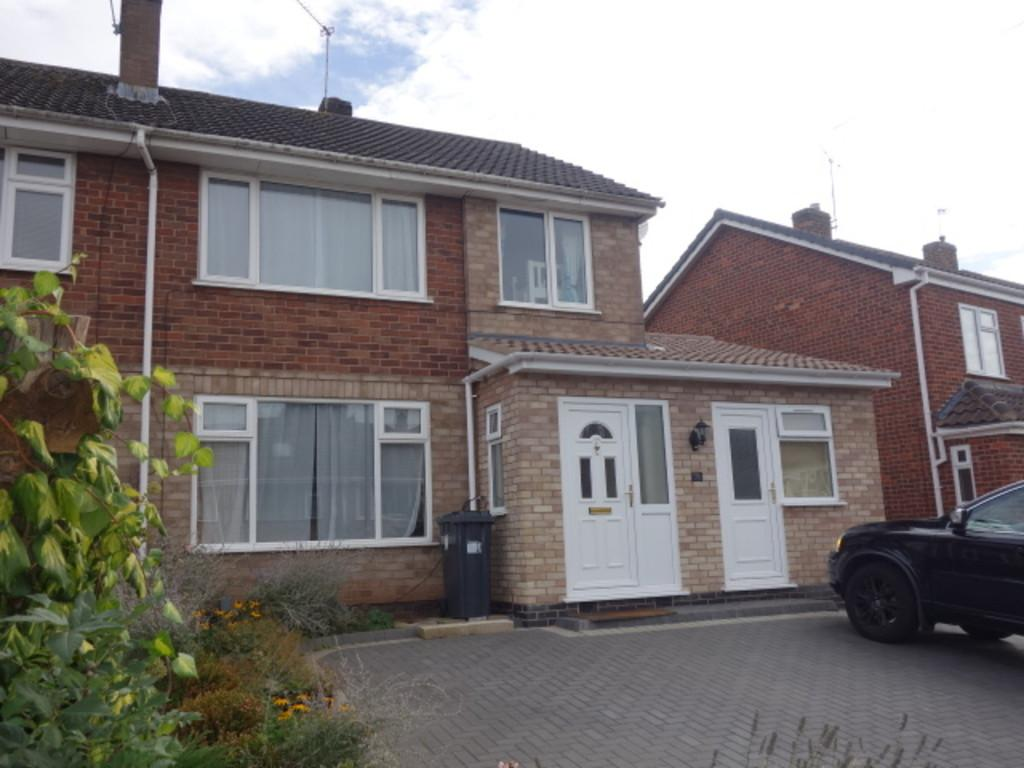 3 Bedrooms Semi Detached House for sale in Priorsfield Road, Kenilworth