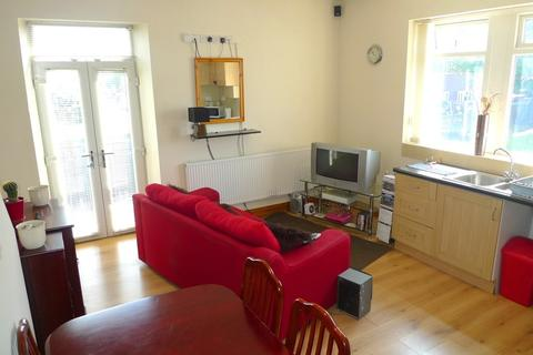 2 bedroom apartment to rent - Arkwright Street, Tyersal