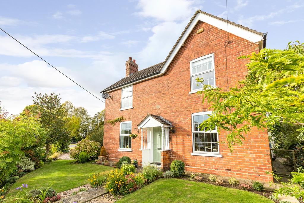3 Bedrooms Detached House for sale in Ryland Road, Welton, Lincoln