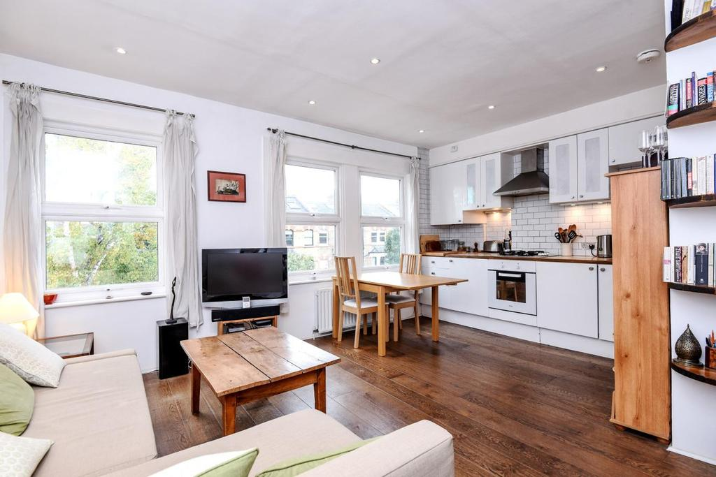 1 Bedroom Flat for sale in Mercers Road, Tufnell Park