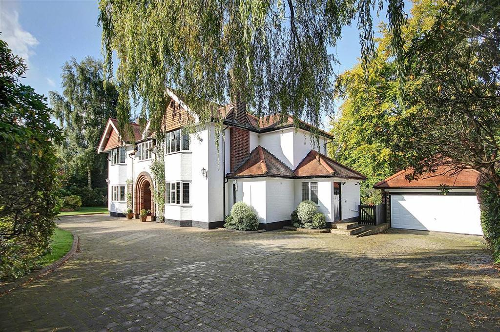 5 Bedrooms Detached House for sale in Broadway, Hale, Cheshire