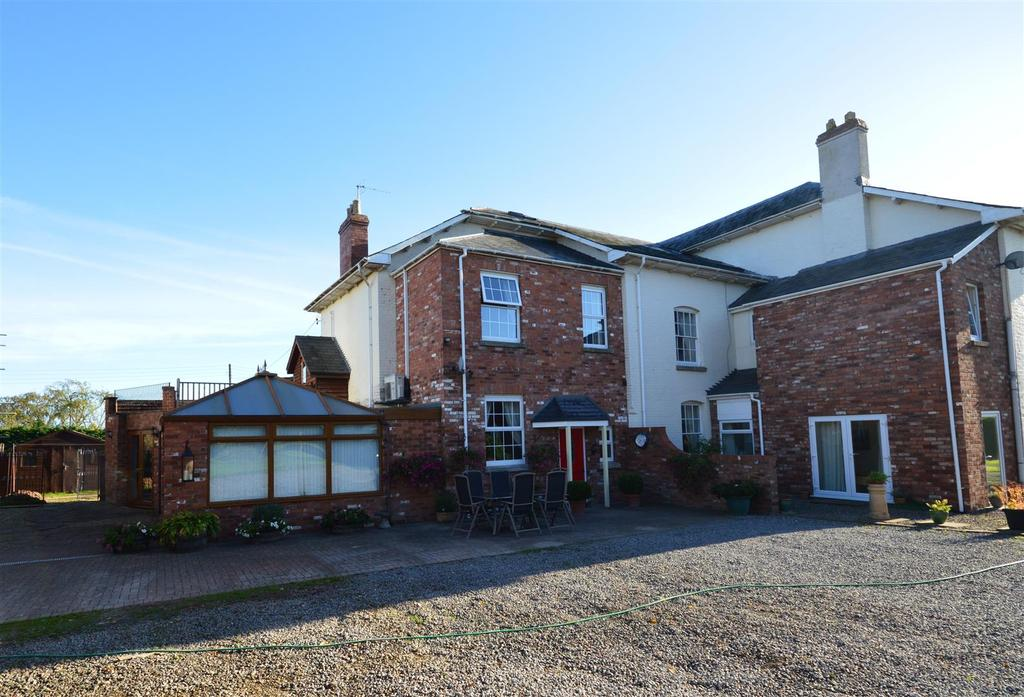 3 Bedrooms Semi Detached House for sale in Swainshill, Hereford