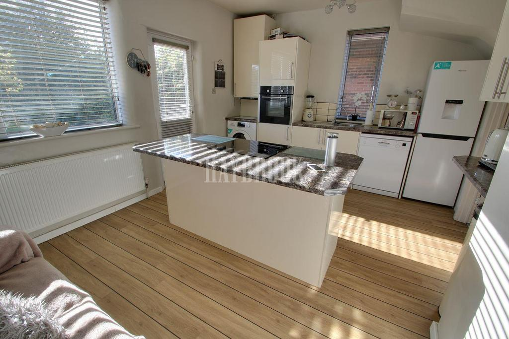 3 Bedrooms Semi Detached House for sale in Greenwood Road, Littledale, S9