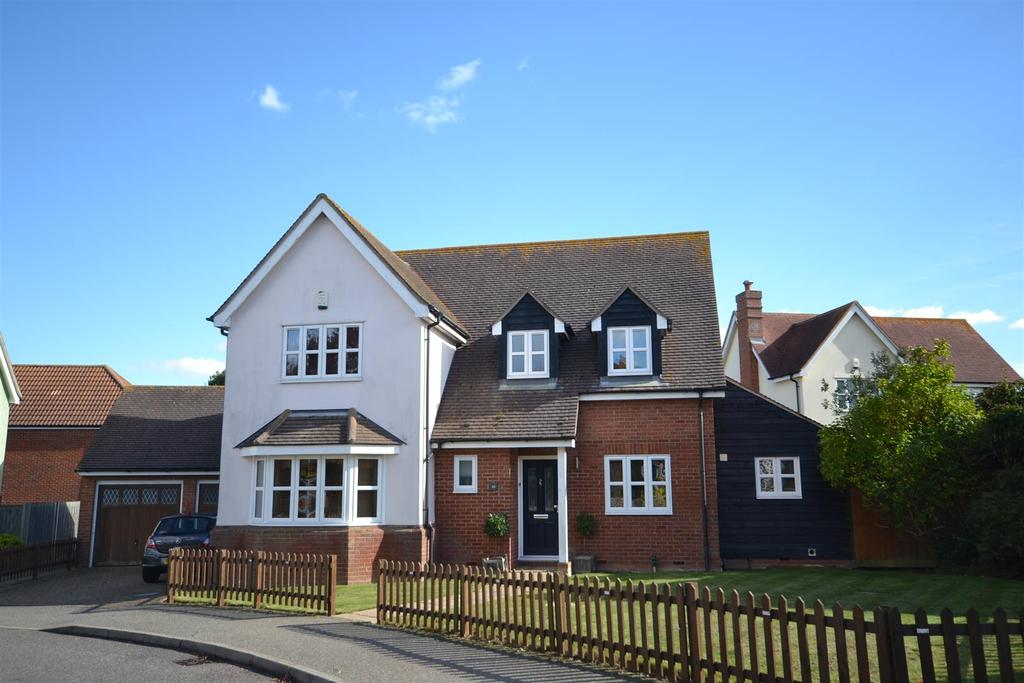 4 Bedrooms Detached House for sale in Woodside, Southminster