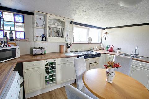 2 bedroom cottage for sale - Colchester Main Road
