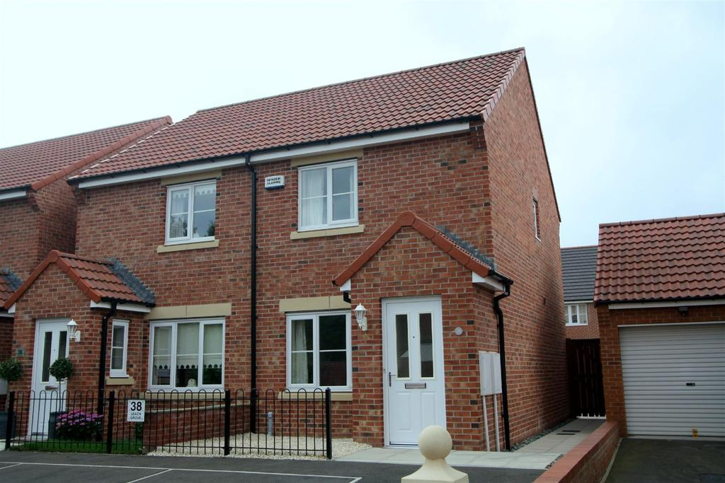 2 Bedrooms Semi Detached House for sale in Leach Grove, Darlington