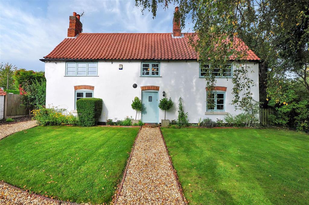 4 Bedrooms Detached House for sale in Honeysuckle Cottage, Newark Road, Wellow