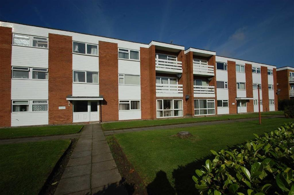 2 Bedrooms Flat for sale in Oak Lodge, Bramhall, Cheshire