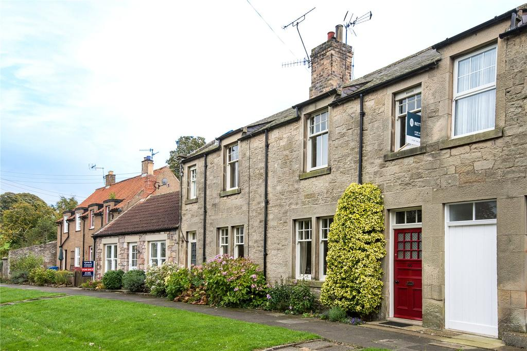 3 Bedrooms Terraced House for sale in Castle Street, Norham, Northumberland