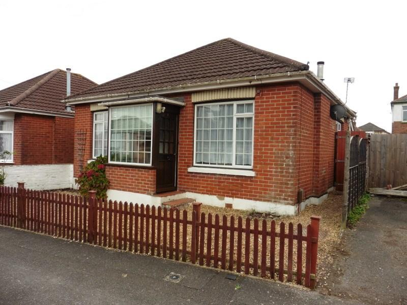 2 Bedrooms Detached Bungalow For Sale In Heather Road Ensbury Park Bournemouth