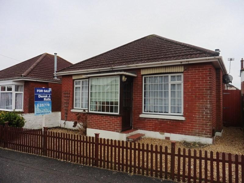 2 Bedrooms Detached Bungalow for sale in Heather Road, Ensbury Park, Bournemouth