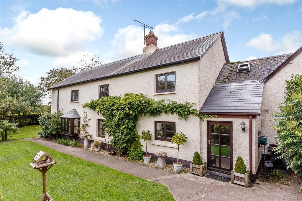4 Bedrooms Detached House for sale in Halberton Road, Willand, Cullompton, Devon