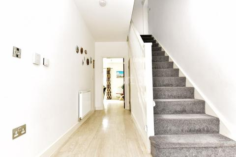 4 bedroom detached house for sale - Beluga Close, Peterborough