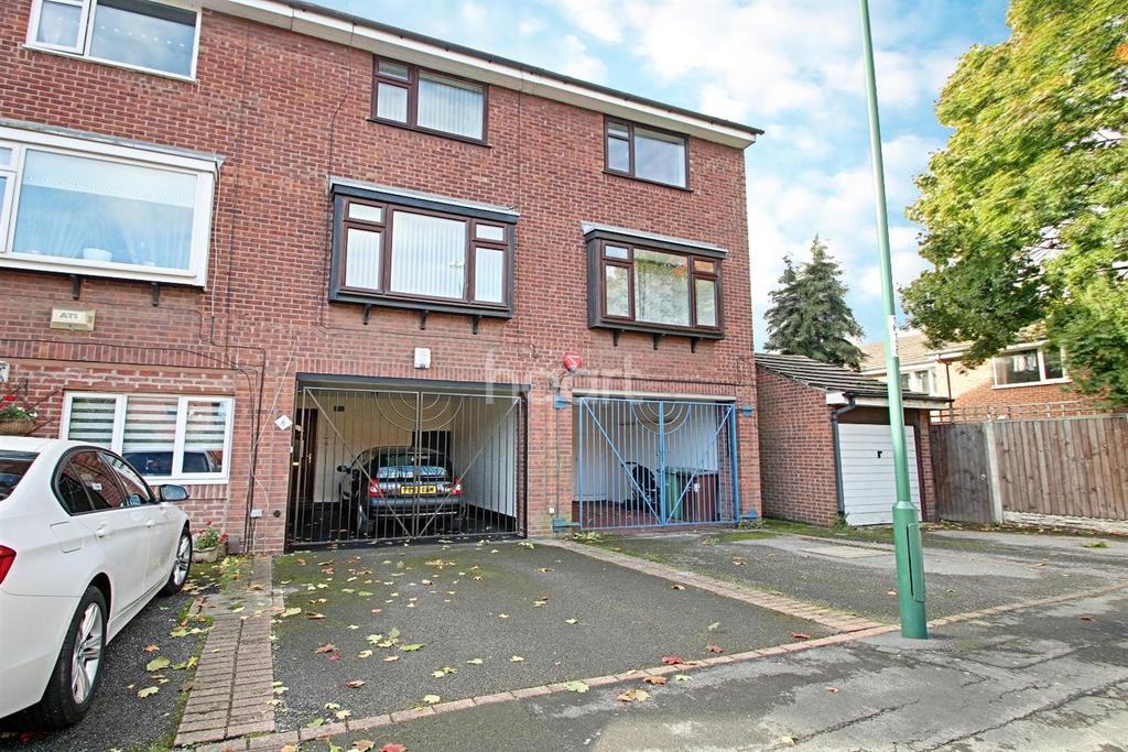 3 Bedrooms Terraced House for sale in Helvellyn Close, Meadows
