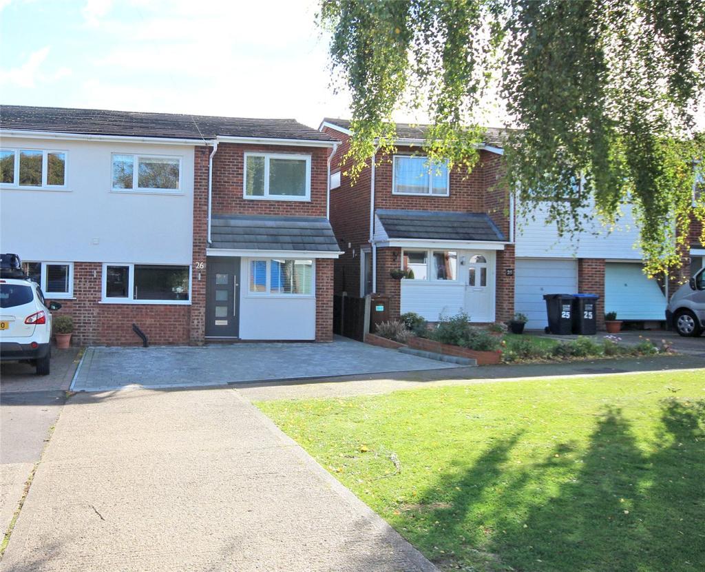 4 Bedrooms Semi Detached House for sale in Wolves Mere, Woolmer Green, Knebworth, Hertfordshire