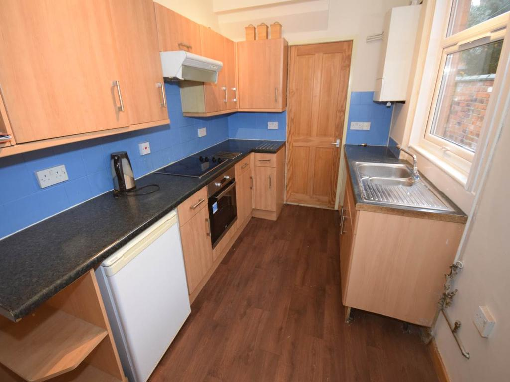 3 Bedrooms Terraced House for rent in Harrow Road, Leicester,