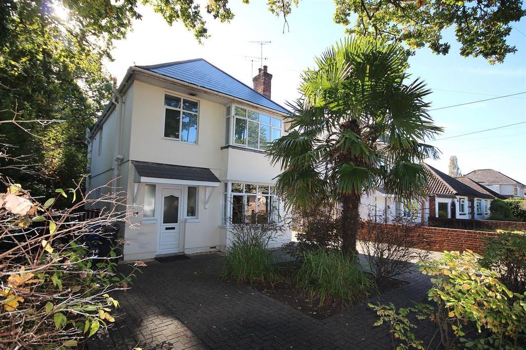 3 Bedrooms Detached House for sale in Springdale Road, Broadstone