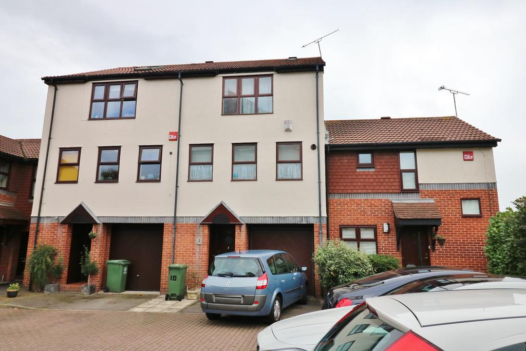 4 Bedrooms Town House for sale in Beehive Walk, Gunwharf Gate