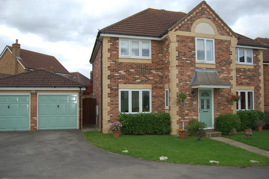 4 Bedrooms Detached House for sale in The Poplars, Great Dunmow CM6