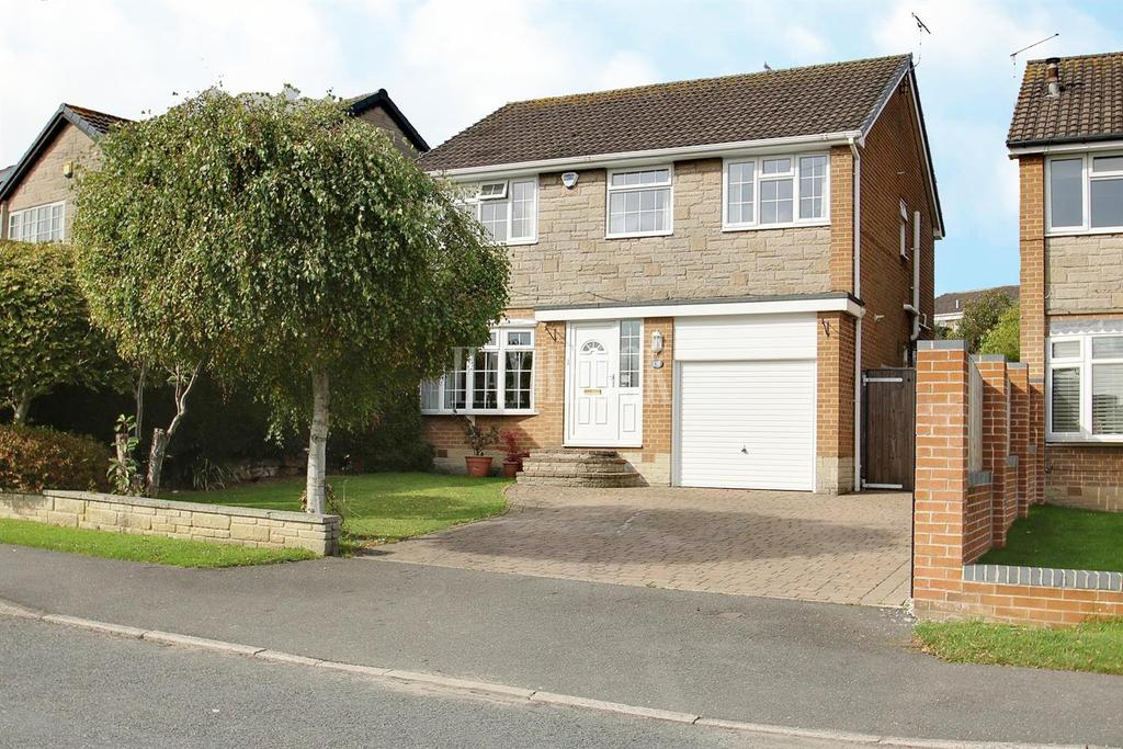 4 Bedrooms Detached House for sale in Longcroft Road, Dronfield