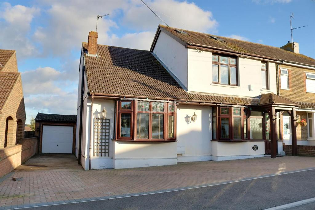 3 Bedrooms Semi Detached House for sale in Parsonage Chase, Minster on Sea