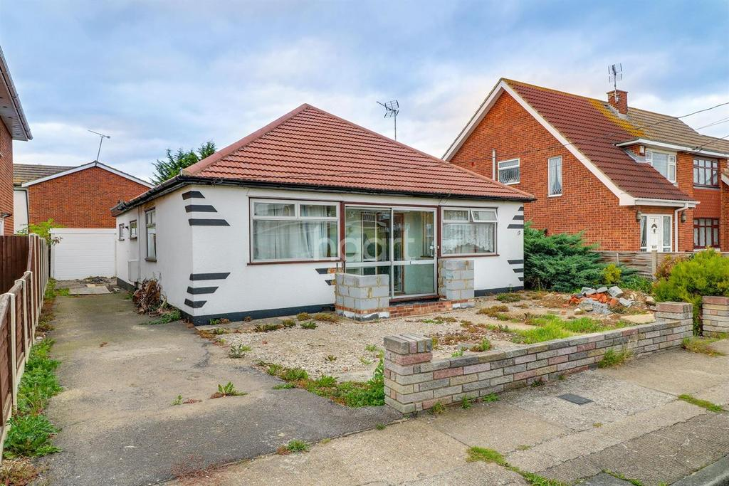 2 Bedrooms Bungalow for sale in Louisa Avenue, Benfleet