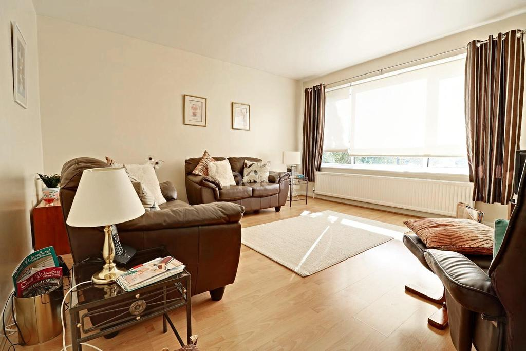 1 Bedroom Flat for sale in Mitre Court