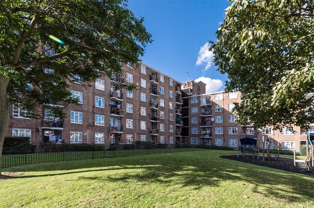 2 Bedrooms Flat for sale in Beattie House, Patmore Estate, London, SW8