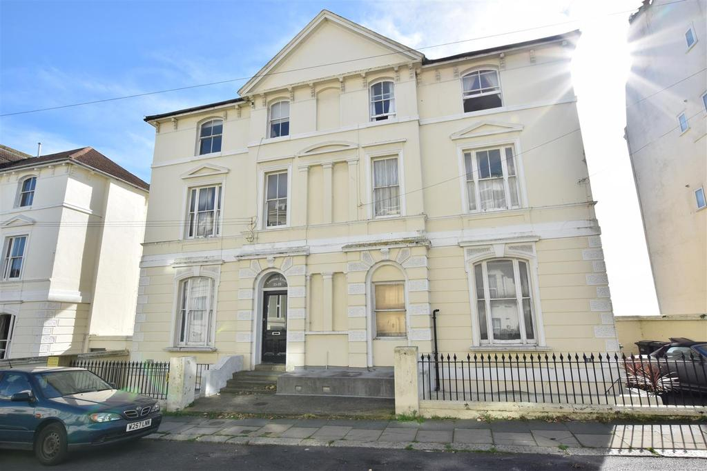 3 Bedrooms Flat for sale in West Hill Road, St. Leonards-On-Sea