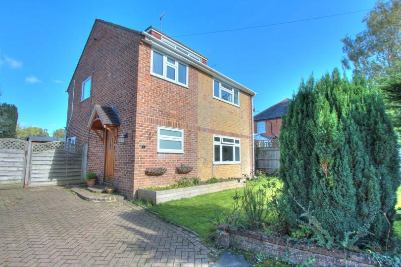 3 Bedrooms Detached House for sale in Paulson Close, Chandlers Ford