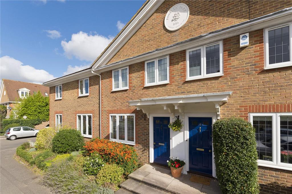 3 Bedrooms Terraced House for sale in Rosslyn Park, Weybridge, Surrey, KT13