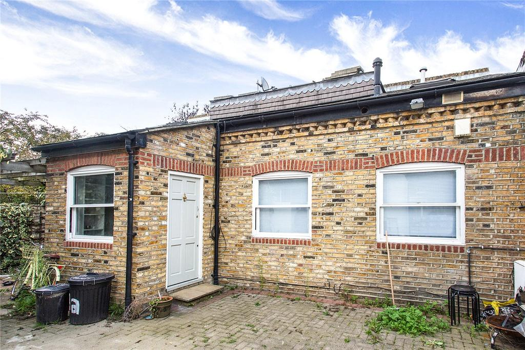 2 Bedrooms Terraced House for sale in Avenell Road, London, N5