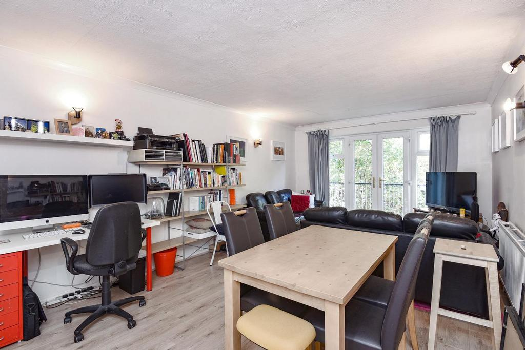 2 Bedrooms Flat for sale in Avenue Road, Highgate