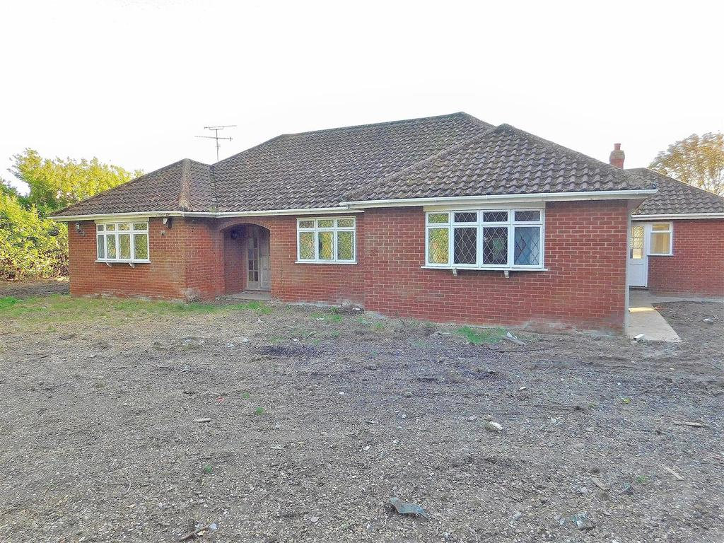 4 Bedrooms Detached Bungalow for sale in Churchgate Way, Terrington St. Clement, King's Lynn