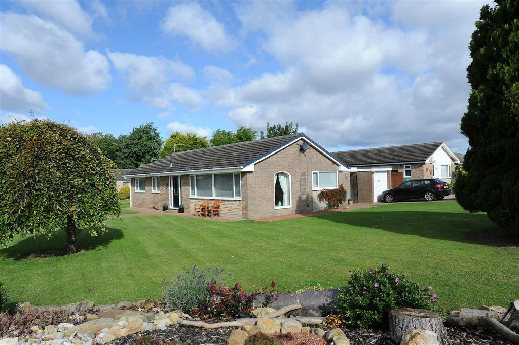 3 Bedrooms Detached Bungalow for sale in Springfield, Skeeby, Richmond