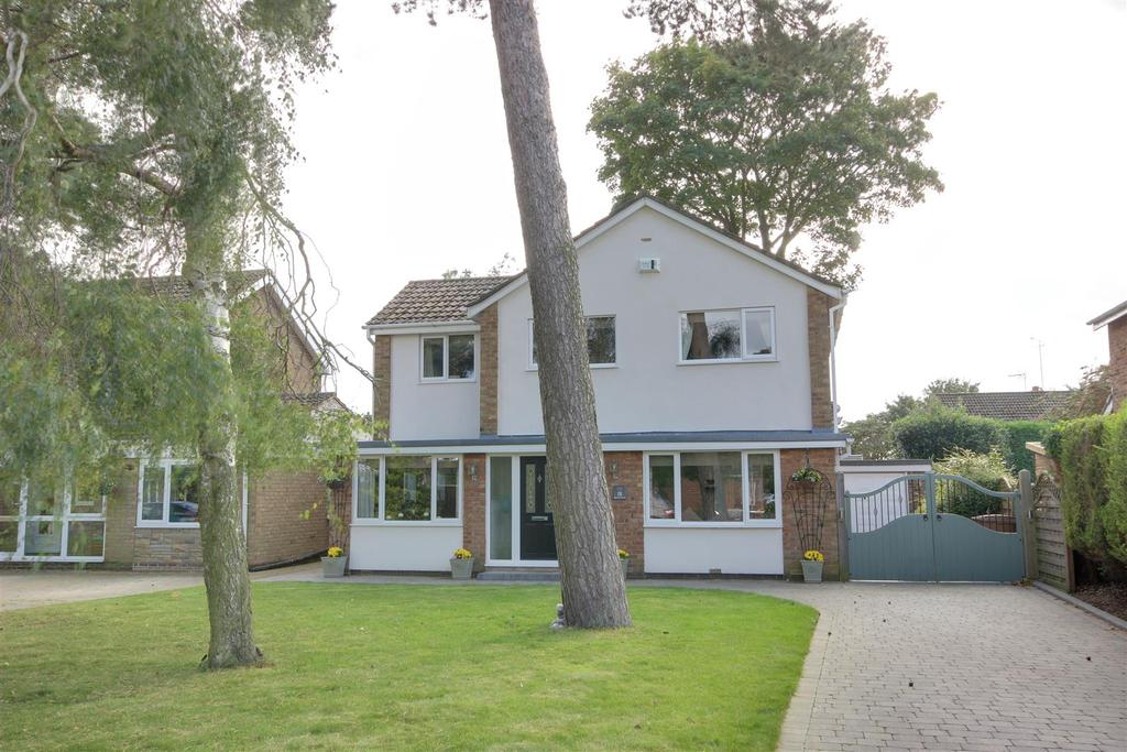 4 Bedrooms Detached House for sale in Ransome Way, Elloughton