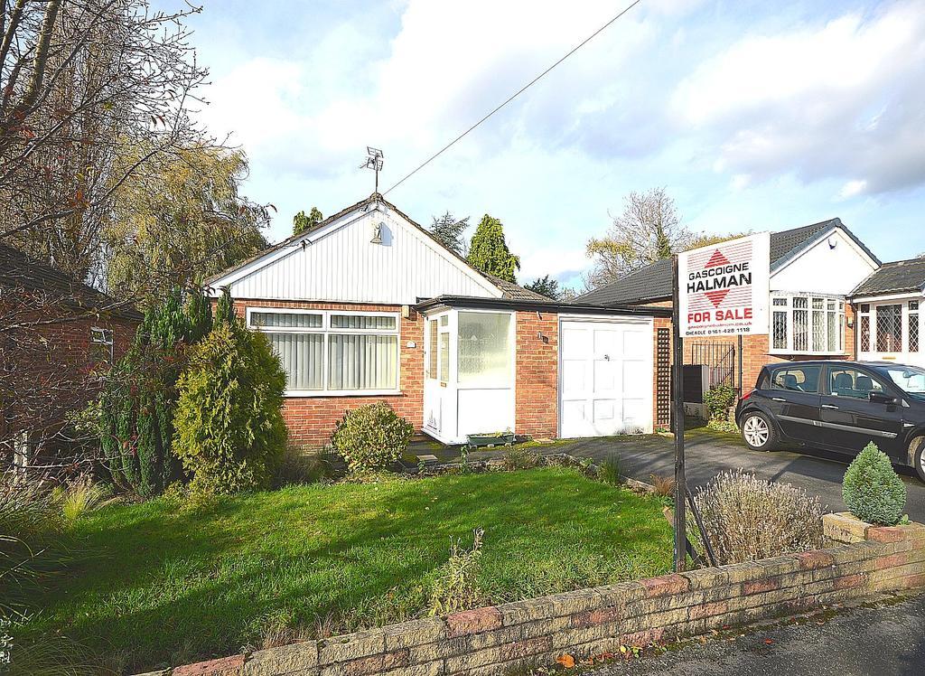 3 Bedrooms Detached Bungalow for sale in Portloe Road, Heald Green