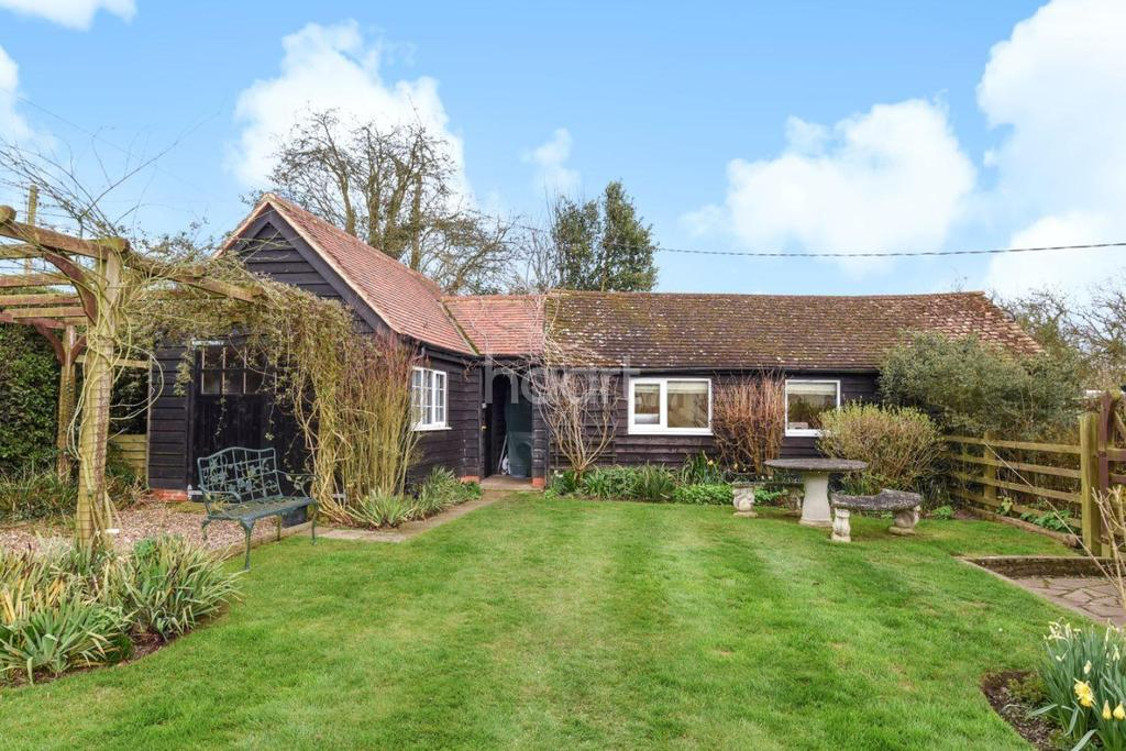 4 Bedrooms Bungalow for sale in Ravens Green