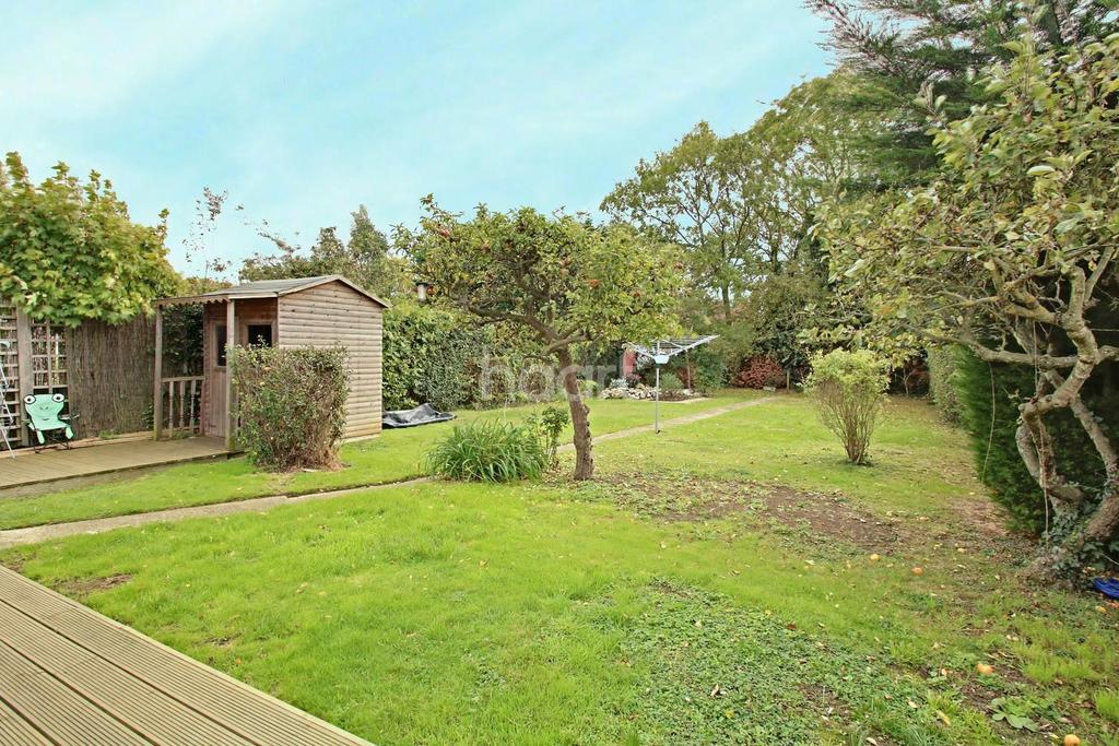 3 Bedrooms Bungalow for sale in Saxon Ave
