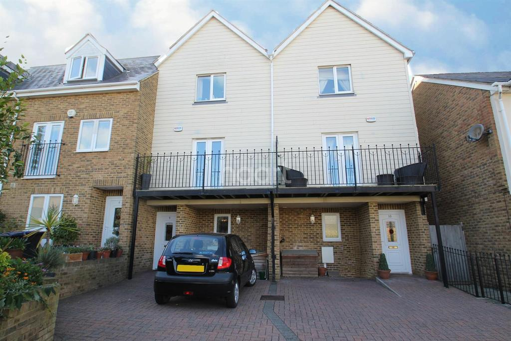 3 Bedrooms Terraced House for sale in Eldon Grove, Ramsgate, CT11
