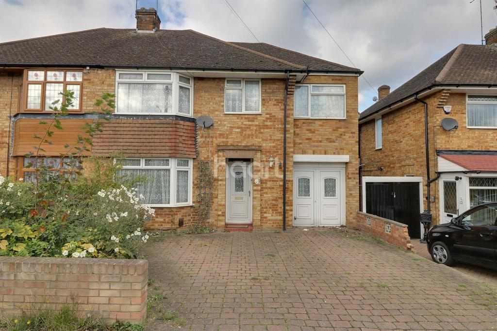 4 Bedrooms Semi Detached House for sale in Stoneygate Road, LU4