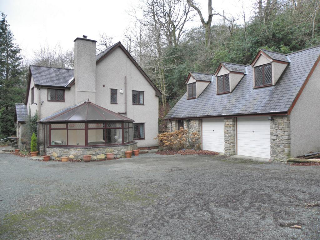 3 Bedrooms House for sale in Glanrafon, Rhydymain, LL40