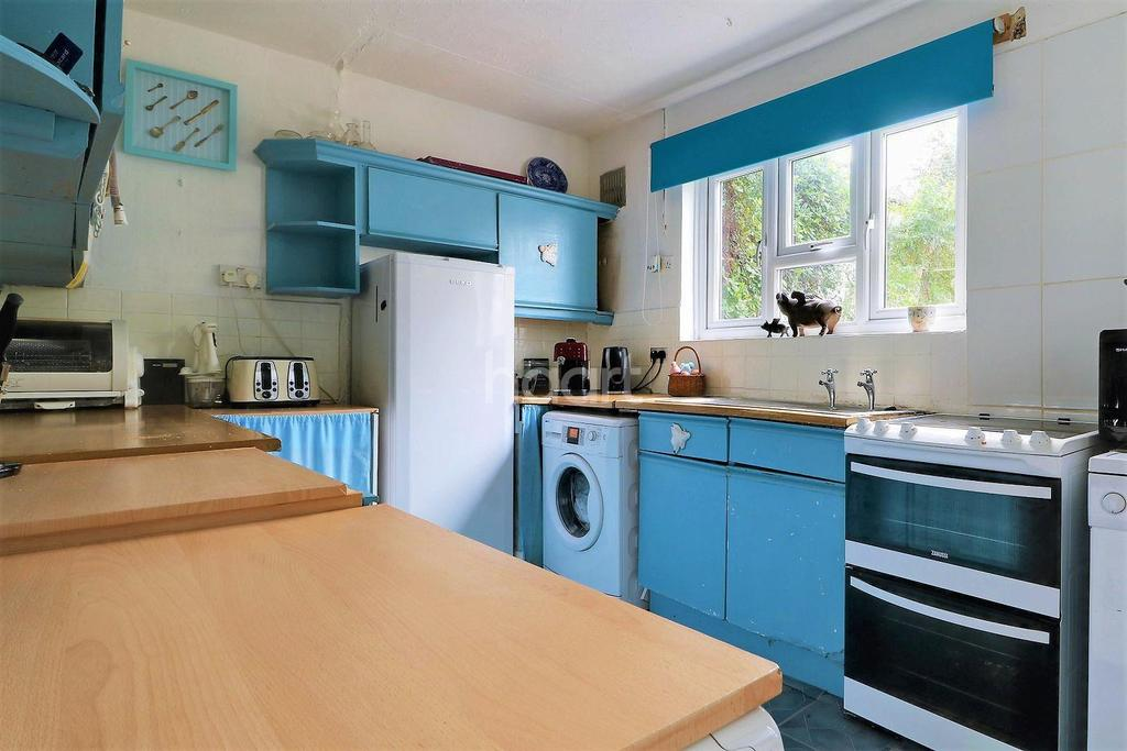 3 Bedrooms Terraced House for sale in Chipperfield Road, Orpington