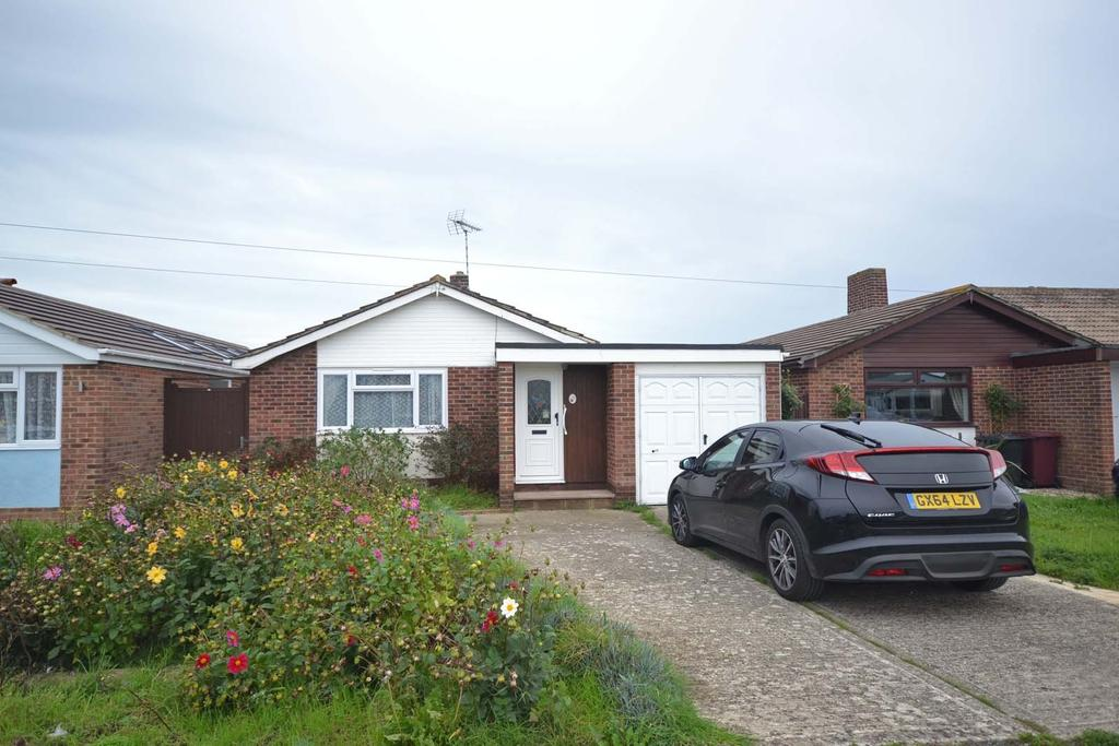 3 Bedrooms Detached Bungalow for sale in Drift Road, Selsey, PO20