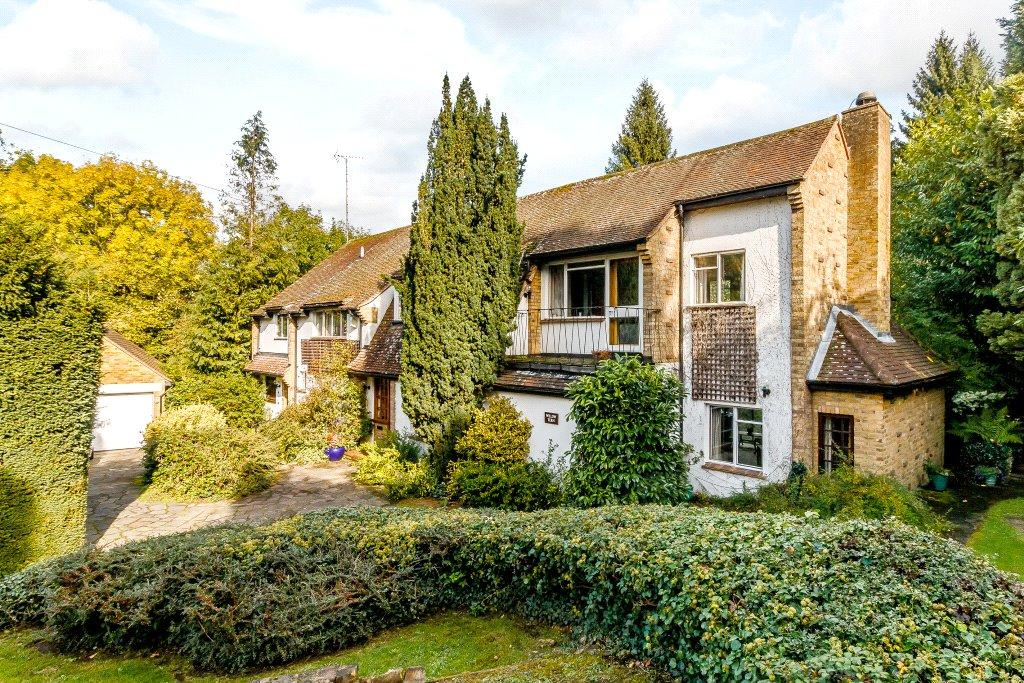 5 Bedrooms Detached House for sale in Overstream, Loudwater, Rickmansworth, Hertfordshire, WD3