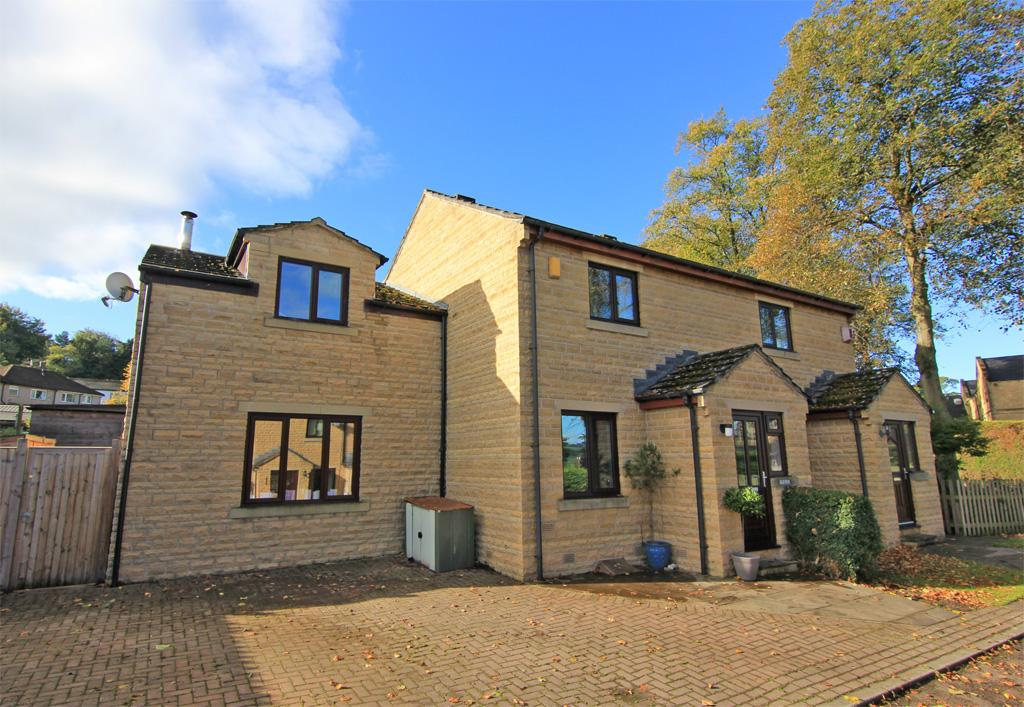 4 Bedrooms Semi Detached House for sale in 11 Burley Court, Steeton,
