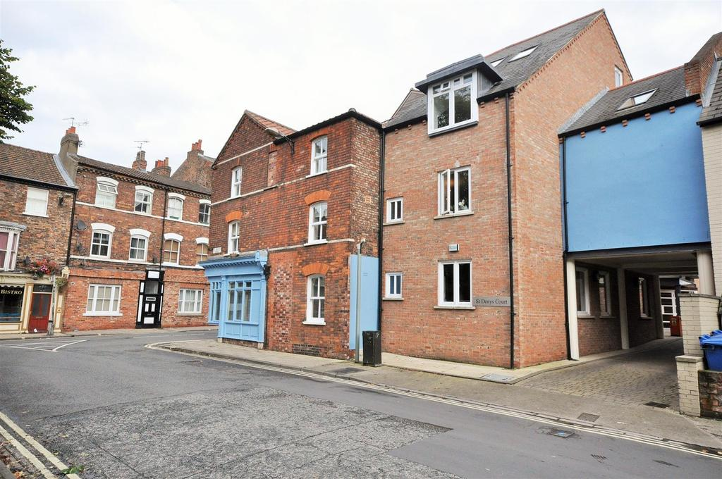 1 Bedroom Apartment Flat for sale in St. Denys Court, Walmgate, York, YO1 9QD