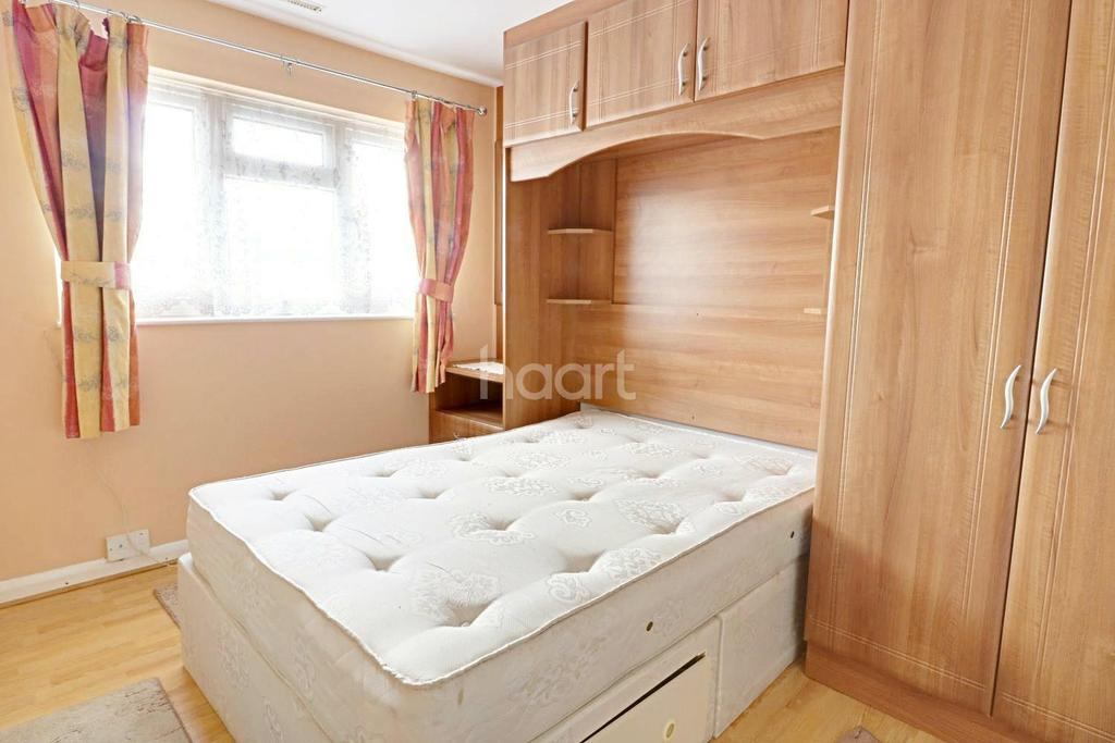 4 Bedrooms Semi Detached House for sale in Yeading