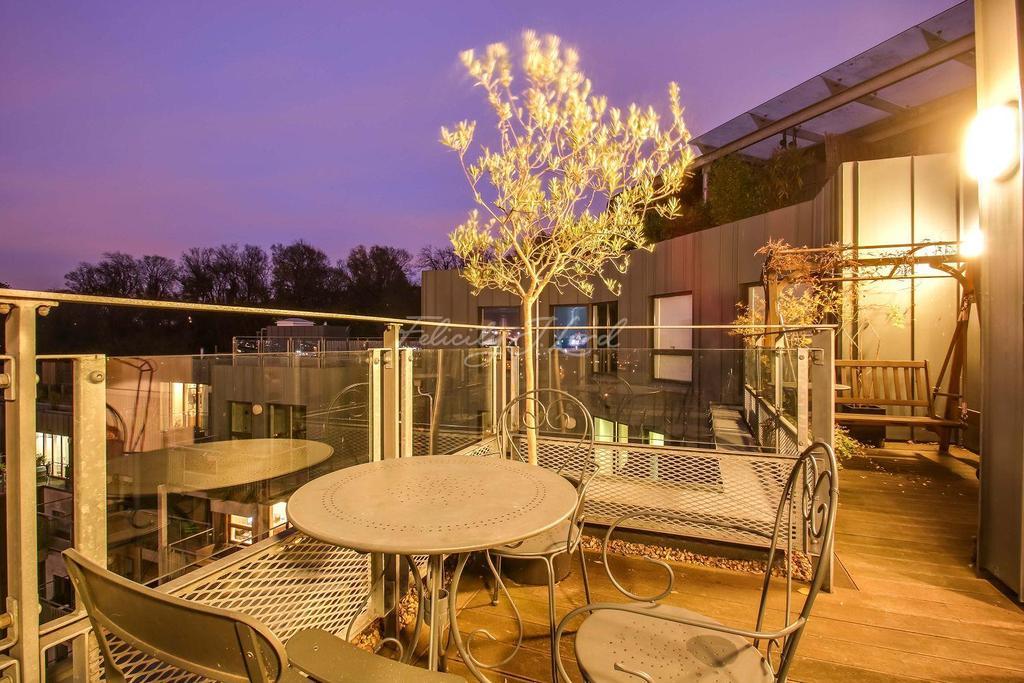 3 Bedrooms Flat for sale in Seren Park Gardens, SE3