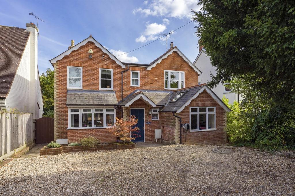 5 Bedrooms Detached House for sale in Rowledge, Farnham, Surrey